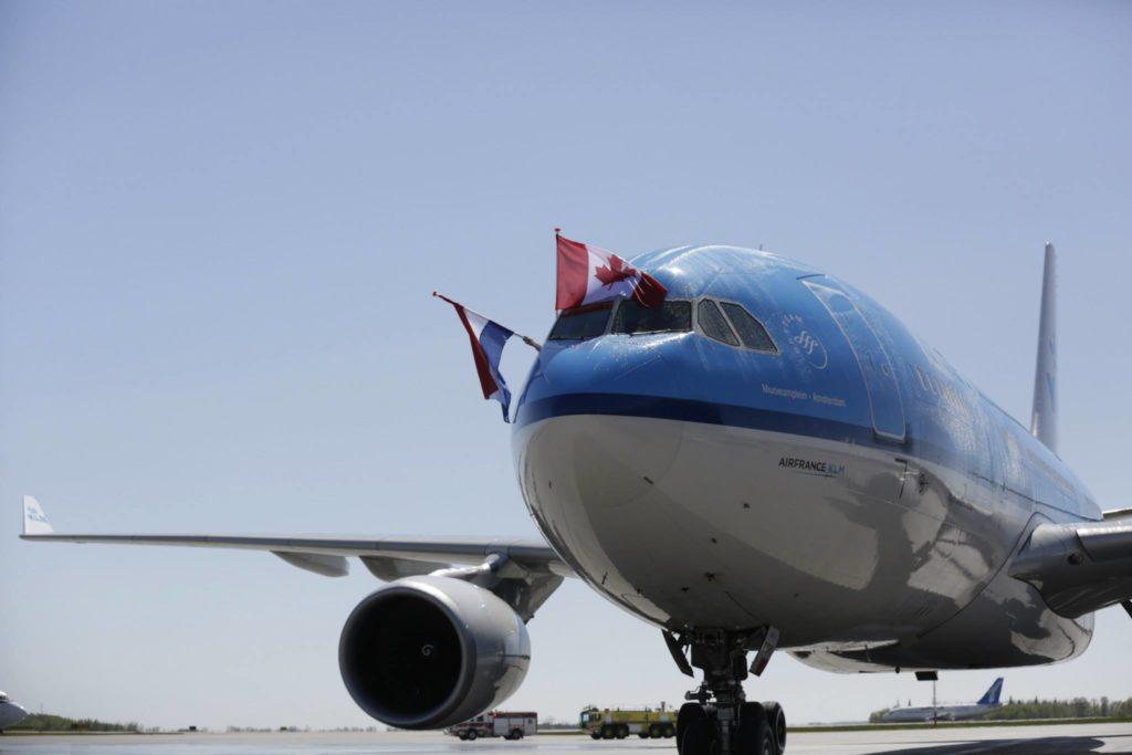 KLM plane at EIA